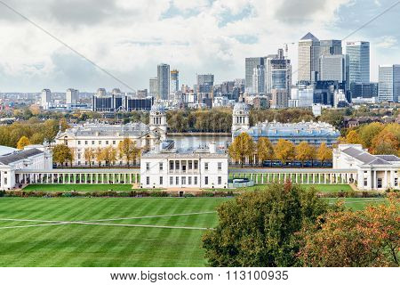 Autumn View To Greenwich And Canary Wharf In London