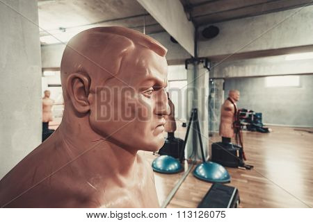 Sports mannequins in Empty hall for boxing in the gym