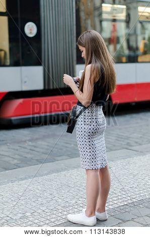 Waiting Girl