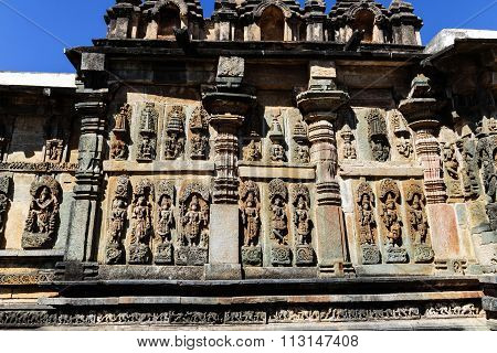 Artistic statue of Lord Vishnu at Chennakesava temple, Belur captured on December 30th, 2015