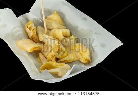 Deep Fried Of Crispy Roti Served With Sweetened Condensed Milk And Sugar