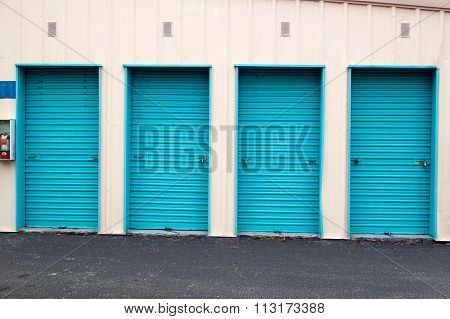 Closed Metal Roll Up Doors