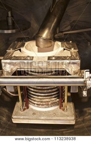 Vacuum Furnace For Melting