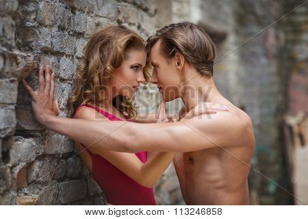 Modern ballet couple
