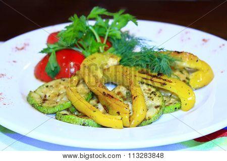 dish for vegetarians vegetables grilled