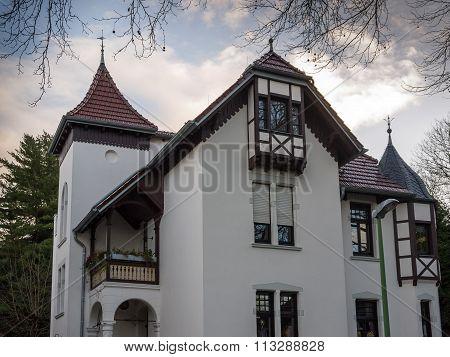 White townvilla