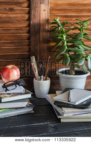 Home Workspace  And Accessories For Work, Training And Education - Books, Magazines, Notebooks, Note