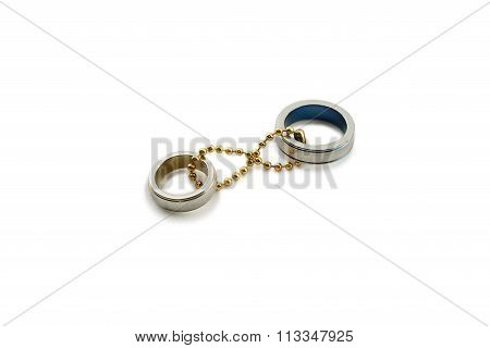 Chained couple rings