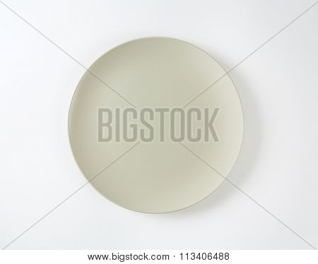 Coup shaped round bone white ceramic plate
