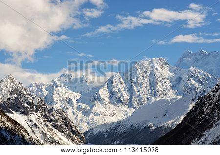 Mountain range on the Manaslu-trek
