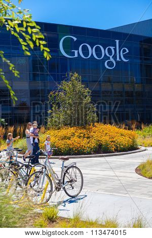 Mountain View, Ca/usa - August 14, 2014: Exterior View Of A Google Headquarters Building.
