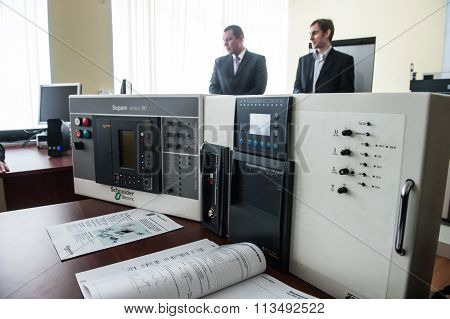 Students In The Class Of Electrical Equipment  Schneider Electric