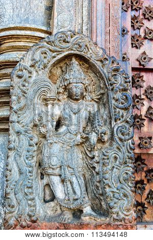 Artistic statue of Lord Vishnu of Chennakesava temple, Belur taken December 30th, 2015