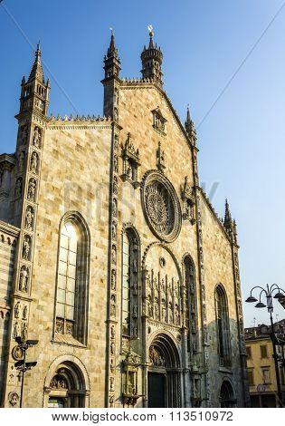 Como Cathedral Facade
