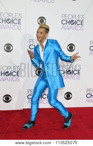 LOS ANGELES - JAN 6:  Frankie J Grande at the Peoples Choice Awards 2016 - Arrivals at the Microsoft Theatre L.A. Live on January 6, 2016 in Los Angeles, CA