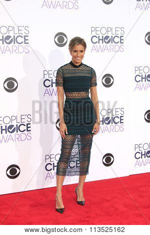 LOS ANGELES - JAN 6:  Renee Bargh at the Peoples Choice Awards 2016 - Arrivals at the Microsoft Theatre L.A. Live on January 6, 2016 in Los Angeles, CA