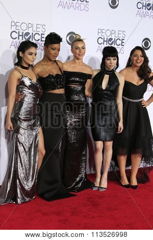 LOS ANGELES - JAN 6: Vanessa Hudgens, Keke Palmer, Julianne Hough, Carly Rae Jepsen, Kether Donohue at the Peoples Choice Awards 2016 at the Microsoft Theatre  on January 6, 2016 in Los Angeles, CA