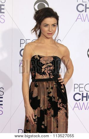 LOS ANGELES - JAN 6:  Caterina Scorsone at the Peoples Choice Awards 2016 - Arrivals at the Microsoft Theatre L.A. Live on January 6, 2016 in Los Angeles, CA