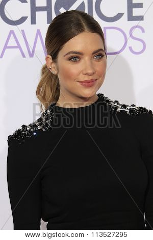 LOS ANGELES - JAN 6:  Ashley Benson at the Peoples Choice Awards 2016 - Arrivals at the Microsoft Theatre L.A. Live on January 6, 2016 in Los Angeles, CA