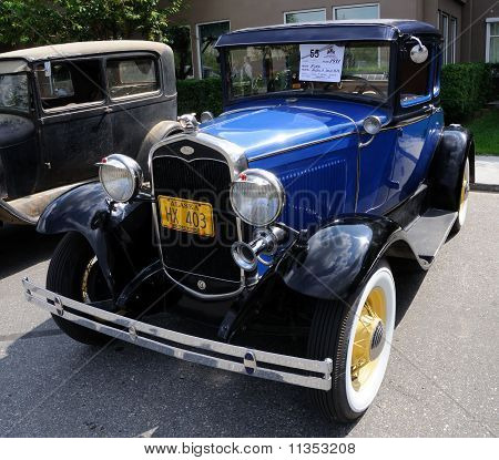 1931 Model-A Ford Deluxe Coupe