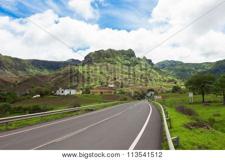 Road Across The  Mountainous Landscapes Of   Santiago Island Cape Verde - Cabo Verde