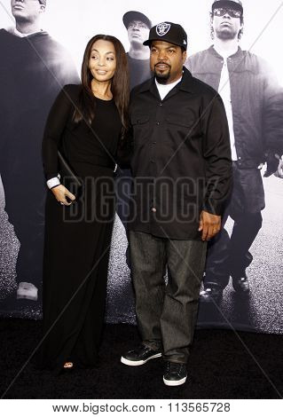 Ice Cube and Kimberly Woodruff at the Los Angeles premiere of
