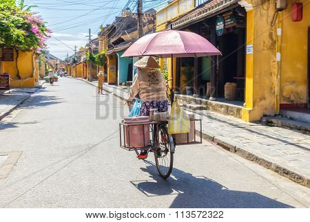 Livelihood on Hoi An the ancient town