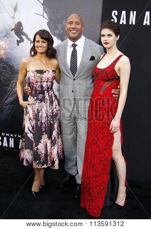 Alexandra Daddario, Dwayne Johnson and Carla Gugino at the Los Angeles premiere of