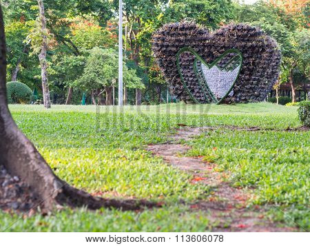 Big Heart Shape Arbour