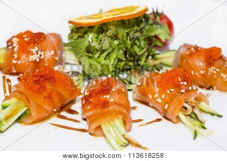 Fish rolls with herbs