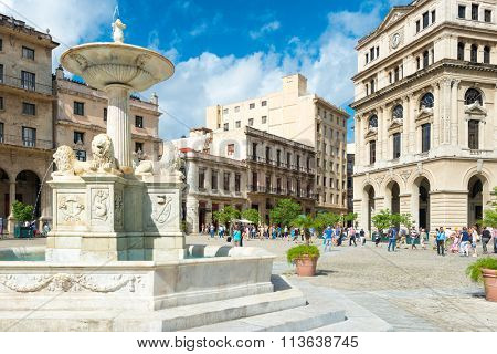 HAVANA,CUBA - JANUARY 5,2016 : Tourists at San Francisco Square in Old Havana