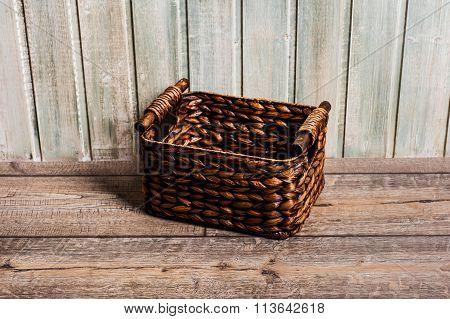 Wattled Basket.