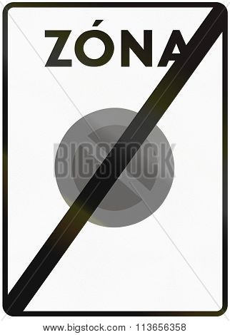 Road Sign Used In Italy - End Of A No-parking Zone. Zona Means Zone