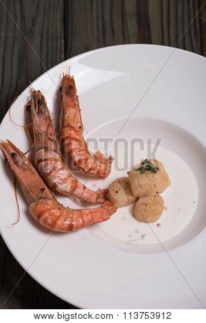 Shrimp and scallop grill on a plate