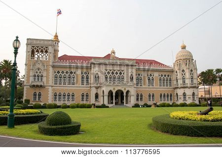 Thai Government Building, Thai Government House (Santi Maitri Building, Thai Khu Fah Mansion)