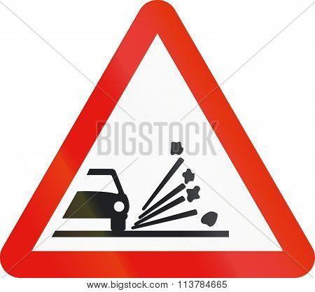 Road Sign Used In Spain - Loose Chippings