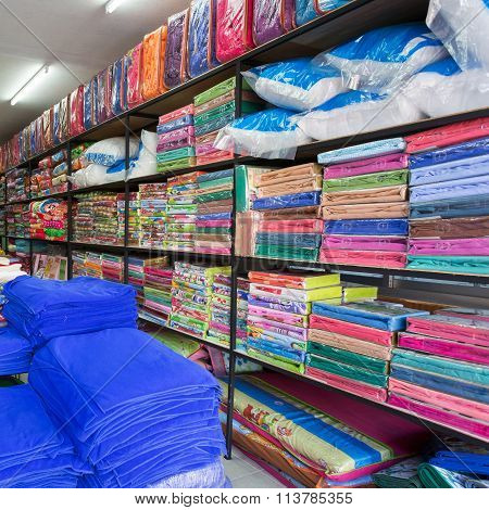 Warehouse Of Towel Softness Fluffy Fiber Fabric Of Textile Industrial For Sale