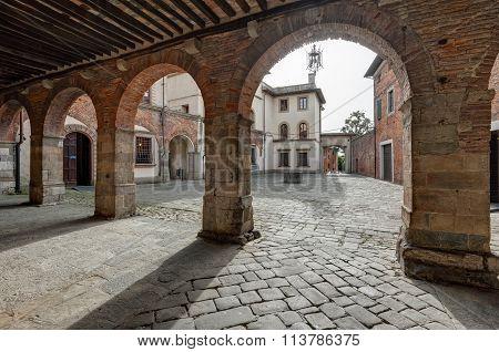 Piazza Ospitalieri, Lucca
