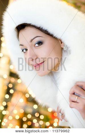 Mujer en piel blanca campana