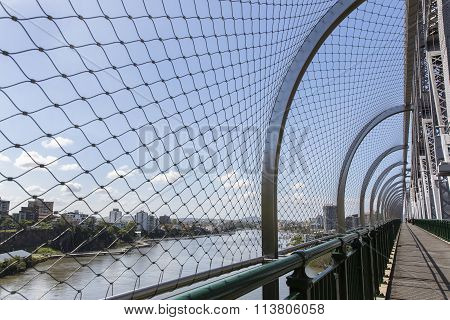Brisbane Story Bridge suicide barrier and walkway