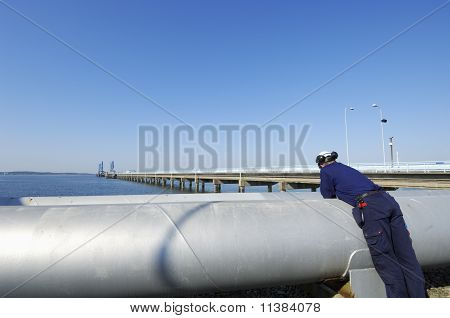 engineer, oil and pipelines