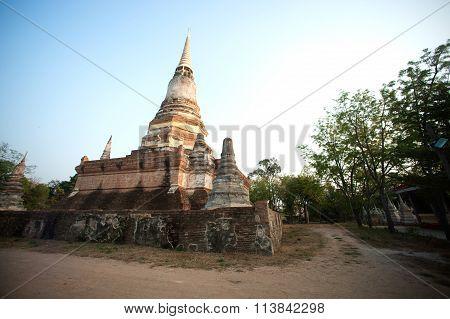 Wat Dusitdaram  History Of Ayutthaya.