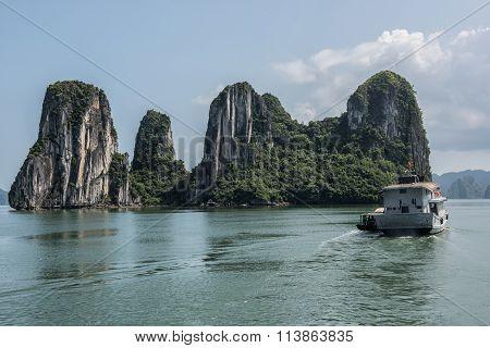 Scenic Ha Long Bay
