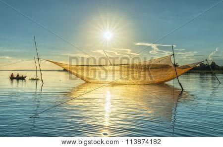 Fishermen Sunstar side pod lift net
