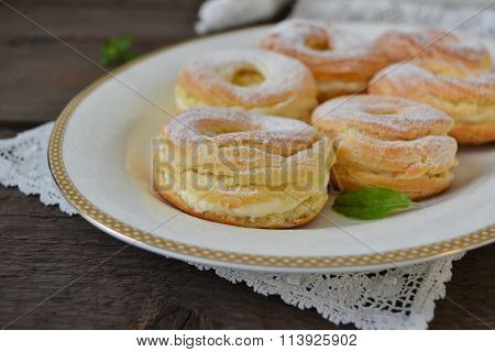 choux ring with curd cream