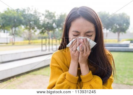 Young Woman got flower allergy