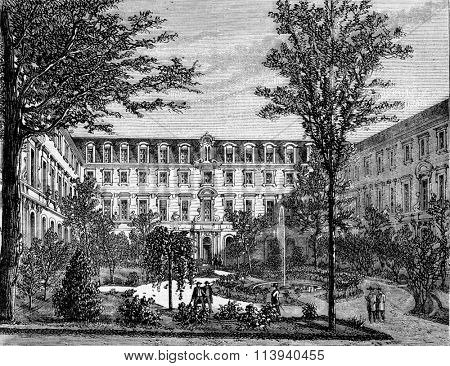 The Normal School, interior view, vintage engraved illustration. Magasin Pittoresque 1873.