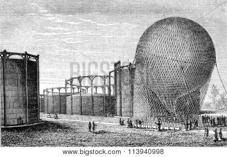 Departure from the gas plant, vintage engraved illustration. Magasin Pittoresque 1870.