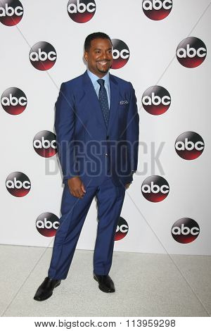 vLOS ANGELES - JAN 9:  Alfonso Ribeiro at the Disney ABC TV 2016 TCA Party at the The Langham Huntington Hotel on January 9, 2016 in Pasadena, CA