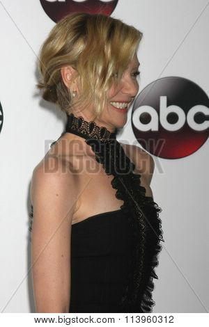 LOS ANGELES - JAN 9:  Portia de Rossi at the Disney ABC TV 2016 TCA Party at the The Langham Huntington Hotel on January 9, 2016 in Pasadena, CA